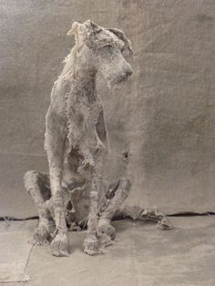 These amazingly expressive dog sculptures were created by UK-based artist Helen Thompson (aka Holy Smoke). Dog Sculpture, Animal Sculptures, Animal Statues, Art Textile, Textile Artists, Helen Thompson, Fabric Animals, Arte Popular, Paperclay