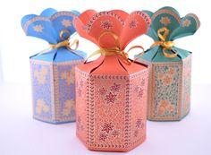 Flower Top Indian Wedding Favor Box Gold Wedding Favors, Wedding Favor Boxes, Favour Boxes, Wedding Ideas, Wedding Invitations, Trendy Wedding, Wedding Stationery, Wedding Cards, Rustic Wedding