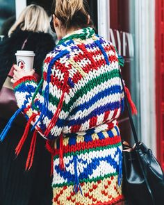 19 sweaters we're pretty sure everyone will love—link in bio. Knitwear Fashion, Knit Fashion, Collage Vintage, Cardigan Pattern, Mode Inspiration, Fashion Inspiration, Sweater Weather, Who What Wear, New York Fashion