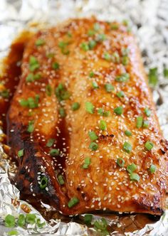 Honey-Soy Asian Salmon in Foil – The most tender, flavorful salmon I've ever tasted – and SO easy! thecomfortofcooking.com