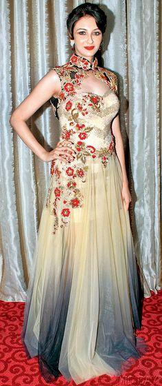 Saumya Tandon at a designer showcase. #Bollywood #Fashion #Style #Beauty