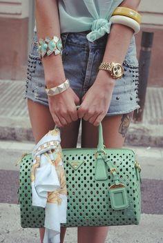 Need a mint bag in my life. Street style - Prada bag na Prada Tote, Prada Handbags, Fashion Handbags, Coach Handbags, Chloe Handbags, Burberry Handbags, Luxury Handbags, My Bags, Purses And Bags
