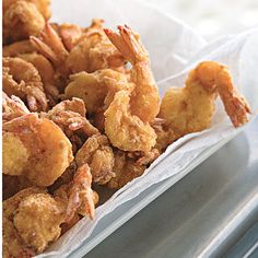 Recipe: Bayou Fried Shrimp Cajun seasoning and fish fry mix make an easy, flavorful breading for fried shrimp. For these Cajun-flavored fried shrimp, peel the shrimp Fried Shrimp Recipes, Shrimp Dishes, Cajun Recipes, Fish Recipes, Seafood Recipes, Cooking Recipes, Cooking Tips, Supper Recipes, Mardi Gras Food