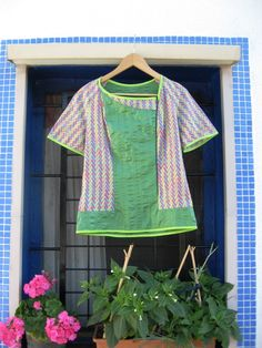 Agatha Urban, Ropa, Camisas