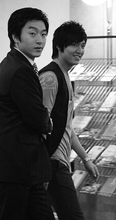 Lee Min Ho, Personal Taste wrap party, 20100521. Black White Photos, Black And White, Boys Over Flowers, Personal Taste, Lee Min Ho, Minho, Party, Fictional Characters, Black N White