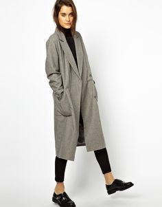 oversized grey coat - shoes and turtleneck go well together with the oversized coat