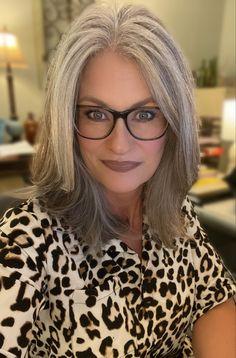 Grey Hair With Bangs, Long Gray Hair, Middle Parts, The Middle, Short Bob Hairstyles, Pretty Hairstyles, Grey Hair Transformation, Grey Hair Inspiration, Gray Hair Highlights