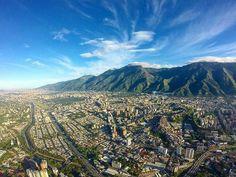 @Regrann from @renatoyanez - El Ávila la bendición de Caracas. Razón tenía Cabré de enamorarse loco y sin remedio de ti. #LaCuadraU #GaleriaLCU #TrafficCenterVolando #Trafficcenter #caracas #caracascenital #Avila #helicóptero #renatoyanez #Regrann