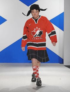 Mike Myers = hockey fashion icon. Rocking the kilt. #funny http://www.pinterest.com/TheHitman14/humor-me-comedy-%2B/