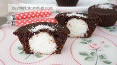 Hindistan Cevizli Sürpriz Muffin Tarifi Nasıl Yapılır? Kevserin Mutfağından Resimli Hindistan Cevizli Sürpriz Muffin tarifinin püf noktaları, ayrıntılı anlatımı, en kolay ve pratik yapılışı.