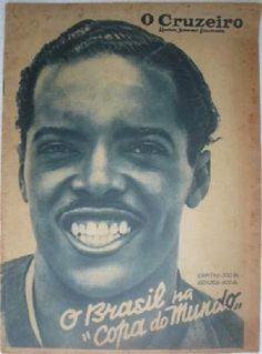 El Diamante Negro, Leônidas da Silva, (Brasil) 1937, a Leônidas   se le cita a menudo como el creador del retroceso de bicicleta (Chilena)  El primer registro de Leônidas realizan la maniobra fue  en un partido entre Bonsucesso Vs Carioca el 24 de Abril 1932.  Leônidas  atribuye la invención de este movimiento para Petronilho de Brito, del San Lorenzo y que jugó 5 veces para el Selección Brasileña entre 1928-1935