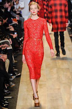 Vestido de encaje rojo de Michael Kors