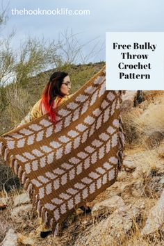 Make this fast crochet throw using bulky yarn and this free pattern on The Hook Nook Life Blog Now! Get started today on your new DIY Home Decor Project! Diy Crochet Patterns, Crochet Patterns For Beginners, Crochet Projects, Fast Crochet, Crochet Home, Diy Crafts List, Scrubby Yarn, Tapestry Crochet, Chunky Yarn