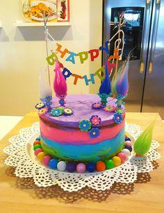 Trolls Birthday Cake. By @masdulcecito