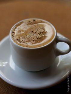Good Morning Coffee, Coffee Break, I Love Coffee, Hot Coffee, Coffee Cafe, Coffee Drinks, Coffee Shop Photography, Café Chocolate, Candy Drinks