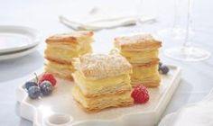 Tranches de crème pâtissière sur pâte feuilletée