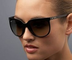 9f6387f3e5731 Look whos looking at this new Ray-Ban Aviator Flash Lenses