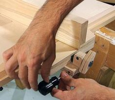 Homemade table saw fence Diy Table Saw Fence, Circular Saw Jig, Power Saw, Table Saw Accessories, Homemade Tables, Home Room Design, Woodworking Jigs, House Rooms, House Warming