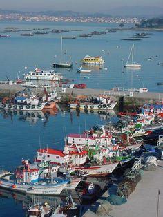 : El puerto pesquero de O Grove, Ría de Pontevedra, Spain