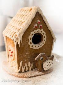 Silmukanjuoksuja: joulukuuta 2015 Gingerbread, Bird, Outdoor Decor, Home Decor, Decoration Home, Room Decor, Ginger Beard, Birds, Home Interior Design