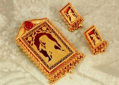 Gold Jewellery Designs - Pendant Set Women's Jewelry Sets, India Jewelry, Temple Jewellery, Jewelry Shop, Jewelry Art, Gold Jewelry, Women Jewelry, Gold Earrings, Gold Necklace
