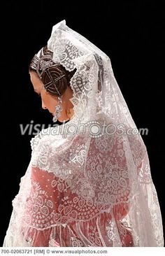 Traditional dress #Valencia #spain