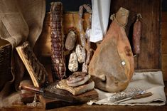 A multitude of delicacies and popular Italian dishes, sweet and savoury, await you during your stay in Italy. These traditional Italian dishes are deeply rooted in Italian culture, and the recipes are often handed down from generation to generation and are preserved for their authentic origins. ask for our food and wine tours in Italy Traditional Italian Dishes, Religious Wedding, Italy Tours, Most Beautiful Cities, Real Friends, Italy Wedding, Origins, Italy Travel, Wine Recipes