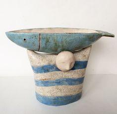 . Diese Schale ist in weißem Ton gemacht. Es ist mit Lasuren innen und außen glasiert. Ich habe durch die Form auf der Töpferscheibe, als von hand verziert. Die Schüssel kann Verwendung für Lebensmittel oder wie dekorative Schüssel sein. Alle meine Keramiken sind professionell mit großer Sorgfalt verpackt. Höhe: 15 cm/6 Breite: 25cm/9,8 Haben Sie Fragen, kontaktieren Sie mich. Zurück zu meinem Shop: https://www.etsy.com/ru/shop/DobrCeramics?ref=hdr_shop_menu