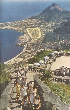 Vista da Lagoa, Jóckey Club e Gávea, do alto do Corcovado em 1954.
