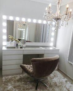 Vanity room ideas creative diy makeup vanity design ideas thats inpire 09 the beauty room susimakeup . Makeup Room Diy, Makeup Rooms, Diy Makeup, Makeup Desk, Makeup Tables, Prom Makeup, Beauty Makeup, Ikea Makeup, Unique Makeup