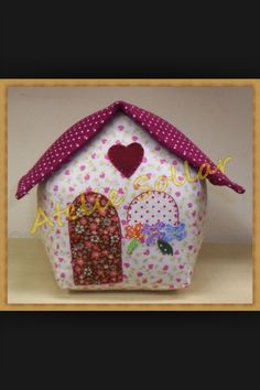 Peso de porta Door Stopper, Pin Cushions, Gingerbread, Art Pieces, Patches, Lunch Box, Diy, Sewing, Crafts