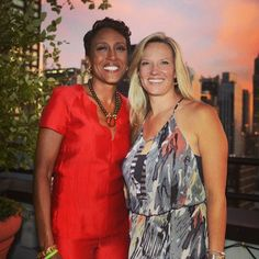 Meet the most influential LGBTQ duos redefining love & reshaping our world. Robin Roberts Gma, Romantic Couples, Cute Couples, Girl Celebrities, Celebs, Sara Gilbert, Androgynous Girls, Historical Romance Books, Power Couples