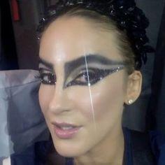 Tutorial: confira sugestões de make e cabelo para o Carnaval   Make