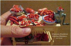 Miniaturas Brasileiras - Brazilian Miniatures: Meat Table- Mesa com carne
