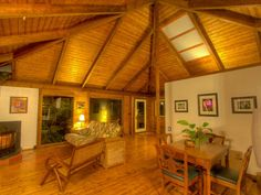 Photo tour of beautiful rain forest cottage (available for rent!) on the big Island of Hawaii - Small House Swoon