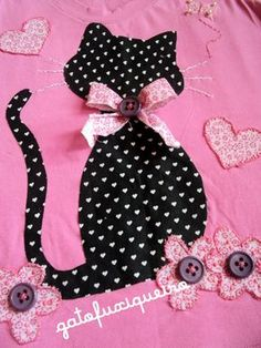 Ideas For Applique Quilting Patterns Patchwork Cat Applique, Applique Dress, Applique Patterns, Applique Quilts, Applique Designs, Quilt Patterns, Embroidery Designs, Sewing Hacks, Sewing Crafts