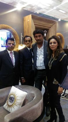 posing with super gorgeous Gauri Khan