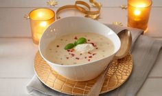 Fine tomato and potato soup - Suppe Getting Hungry, Food Court, Potato Soup, Cheeseburger Chowder, I Foods, Brunch, Potatoes, Pudding, Favorite Recipes