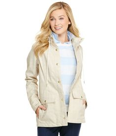 Explore the market, the beach, or the neighborhood! Our weather-resistant women's jacket is perfectly designed to accompany you on all your excellent adventures.