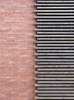 New Screen Facade Architecture Timber Cladding Ideas Exterior Wall Cladding, Brick Cladding, Brick Facade, Cladding Ideas, Brickwork, Timber Battens, Timber Screens, Wood Slats, Wood Paneling