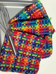 Your place to buy and sell all things handmade Potholder Loom, Potholder Patterns, Craft Projects, Sewing Projects, Craft Ideas, Nifty Crafts, Weaving Patterns, Loom Weaving, Rainbow Colors