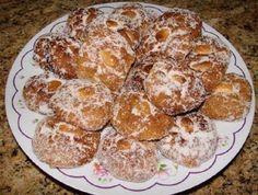 Bolos Podres do Natal Portuguese Desserts, Portuguese Recipes, Christmas Bread, Christmas Desserts, Christmas Cookies, Biscuits, Cookie Recipes, Food To Make, Deserts