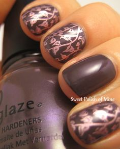 I would do the floral accent on 1 finger, but so cute! 2 coats of China Glaze Jungle Queen  stamped with Pure Ice Outrageous and plate Mash-50