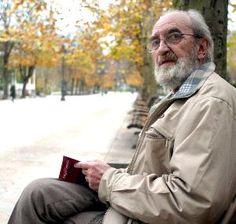 Ángel González Opi, Famous People, Raincoat, Reading, Artwork, Printing Press, Writers, Authors, News