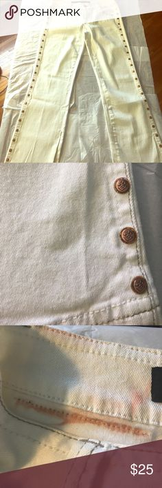 """Rocawear  Womens White Jeans with Button Detail Rocawear  wear Women's White Jeans with Detail and buttons some bleeding as shown on the inside of the waist band - size 11/12 41"""" long Rocawear Jeans Straight Leg"""