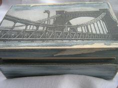Szkatułka z Mostem Grunwaldzkim, postarzana, dekorowana ręcznie.