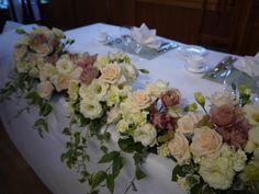 ウェディングの花  メインテーブルの花