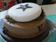 @Anna Wiles: Frisbee cake. Think you could make this?