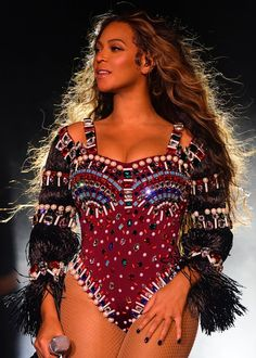 Beyonce Photos - The Times of India Photogallery Beyonce Knowles Carter, Beyonce And Jay Z, Divas, Beyonce Performance, Beyonce Memes, Beyonce Instagram, Beyonce Coachella, Beyonce Beyonce, Beyonce Photos