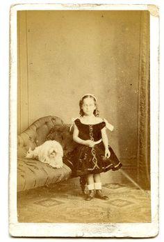 Original Victorian Carte de Visite photograph taken in England    Date: c1860s    Size: CDV measures 10.5cm x 6cm    Condition: please see scans